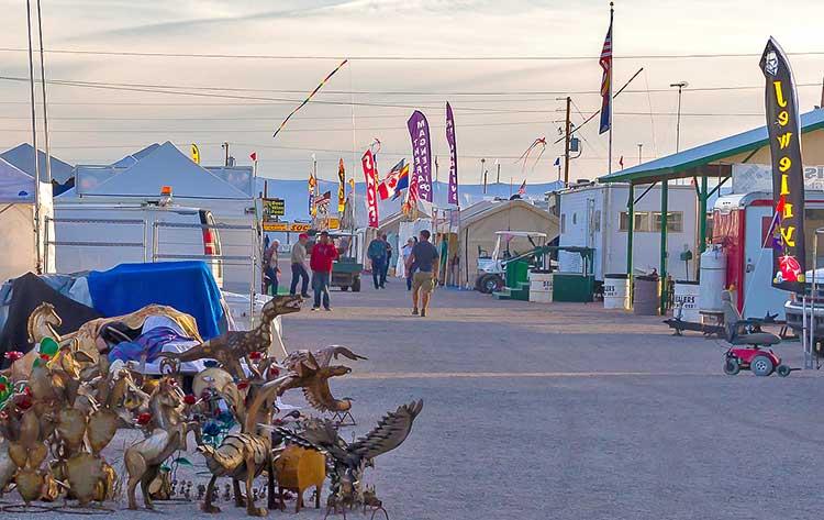 Quartzsite, Arizona - Rock and Gem Show Events Calendar 2020 - Swap