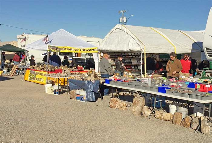 quartzsite swap meet in arizona