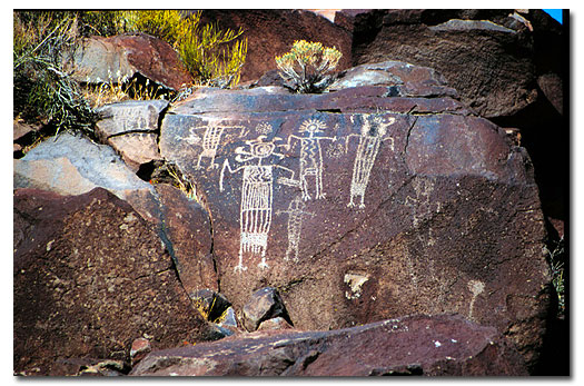 petroglyphs of the cosos desertusa. Black Bedroom Furniture Sets. Home Design Ideas