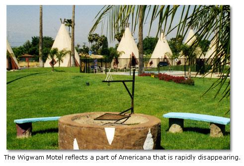 7 weird desert museums desertusa for Holbrook swimming pool opening hours