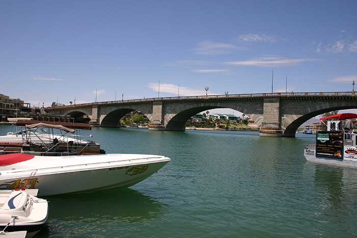 Exploring Lake Havasu - AZ - DesertUSA on map of north miami beach hotels, map of oahu island hotels, map of catalina hotels, map of scottsdale hotels, map of pueblo hotels, map of key west hotels, map of oakland hotels, map of santa barbara hotels, map of san luis obispo hotels, map of albuquerque hotels, map of colorado springs hotels, map of austin hotels, map of coeur d'alene hotels, map of palm springs hotels, map of flagstaff hotels, map of billings hotels, map of destin hotels, map of laughlin hotels, map of grand canyon hotels, map of sedona hotels,