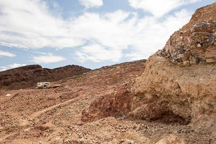 Opal Hill Mine in the Mule Mountains CA - DesertUSA