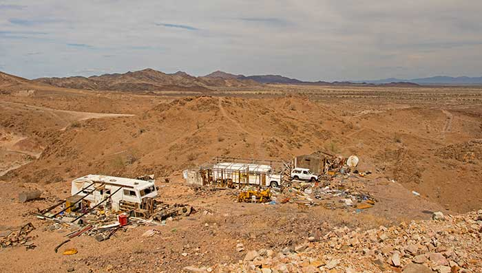 Opal Hill Mine in the Mule Mountains CA - DesertUSA