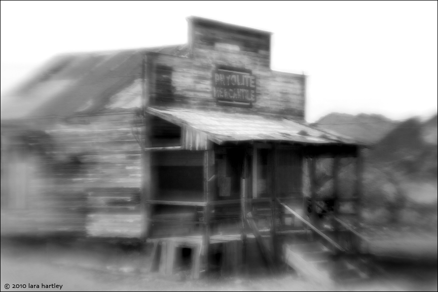 1853_1851_lensbaby-plastic-optic-5-6_rhyolite-mercantile_2