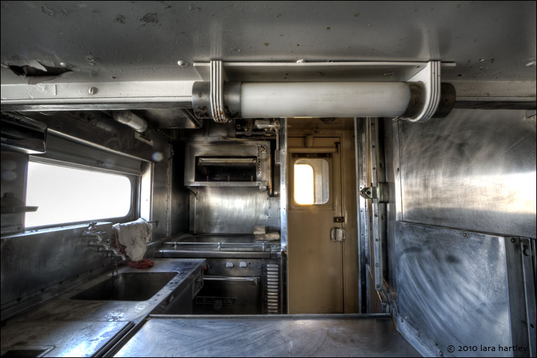 4556_7_8_kitchen-passenger-car_3