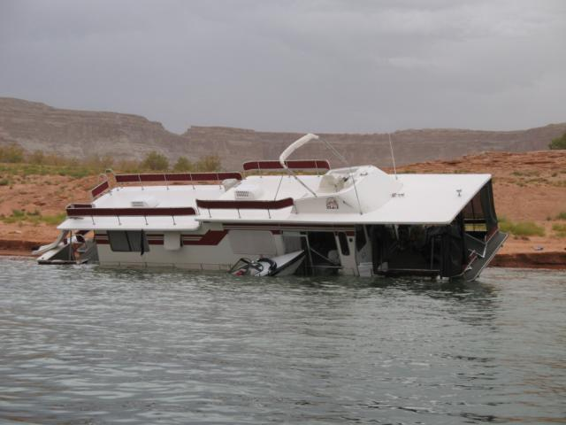 Boat Capsizes During Extreme Weather At Lake Powell Desert Road Trippin