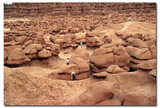 Goblin Valley State Park, UT - DesertUSA