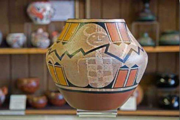 Pottery - Southwest Collectibles - DesertUSA
