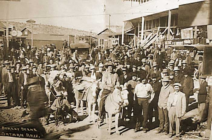 Oatman Started Life Over 100 Years Ago As A Mining Tent Camp And Quickly Became Flourishing Gold Center In 1915 Two Miners Struck 10 Million